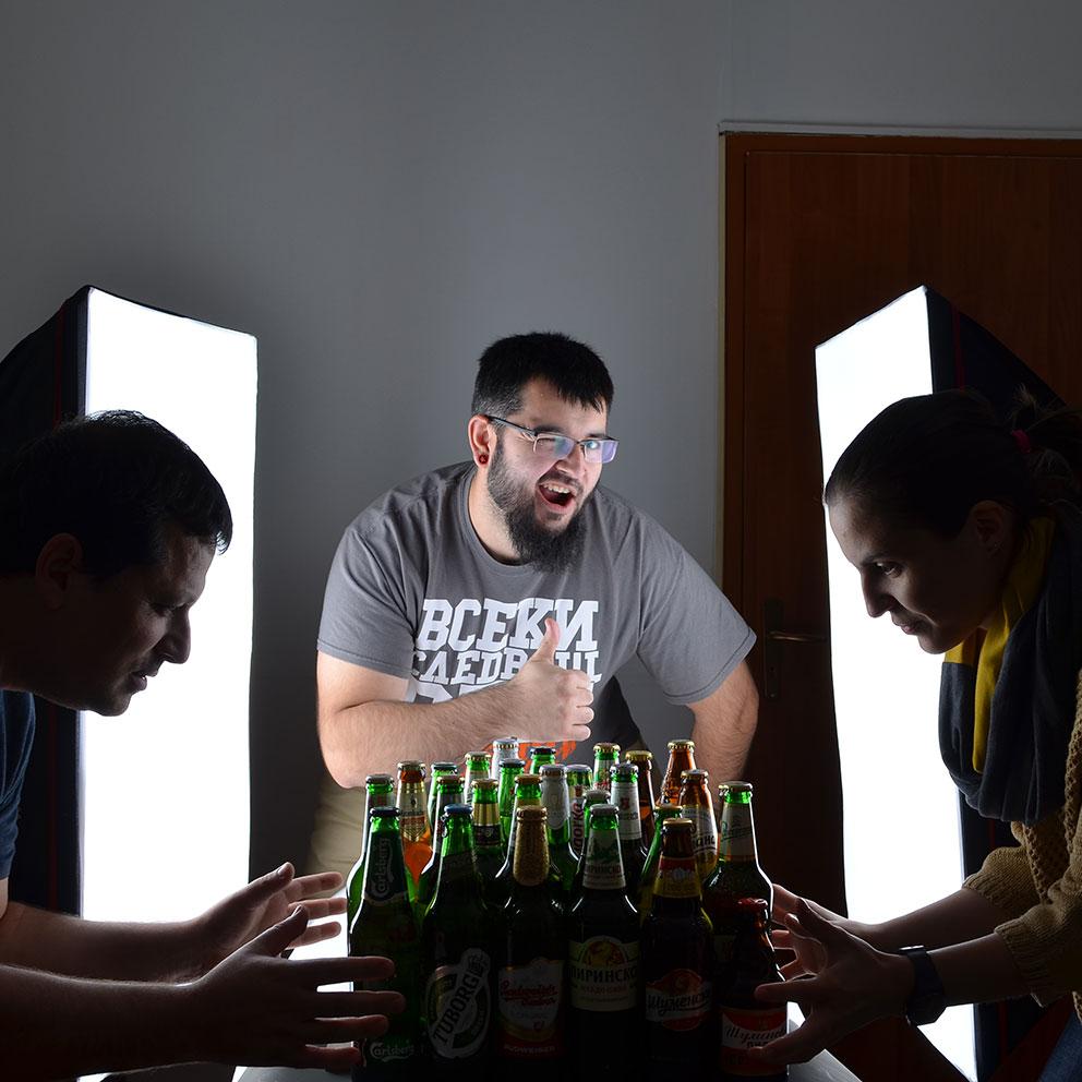 Mit Flasche im Filmbild oder lerne das Bier kennen, damit Du es lieben wirst